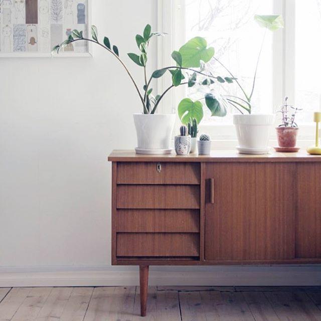 Uusi senkki uusipostausblogissa newblogpost linkkiprofiilissa linkinbio kirpputorilyt olohuone senkki vintagehellip