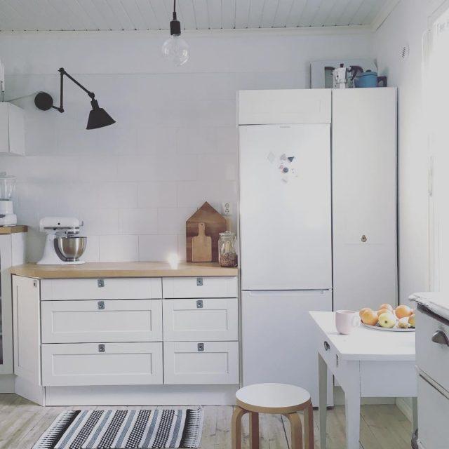 Kuppi kahvia  ihanavalo valkoinenkeitti keitti puutalo vanhatalo kitchen coffeetimehellip