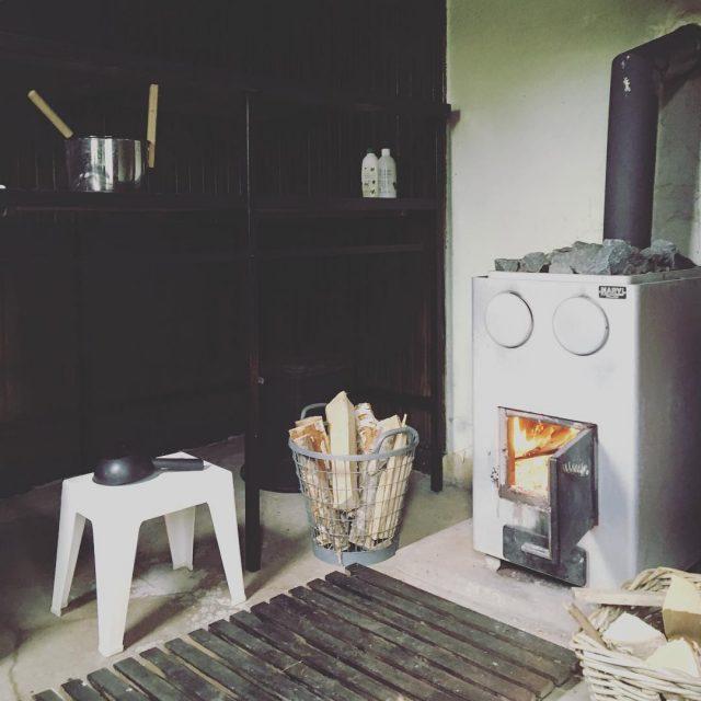 Lauantai sauna pihasauna puusauna saunanlmmitys puutaloelm traditional finnishsauna