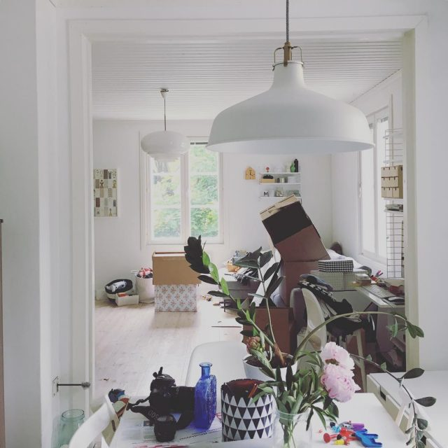 x 100 olohuone muutto kaaos wearemoving toomuchstuff livingroom
