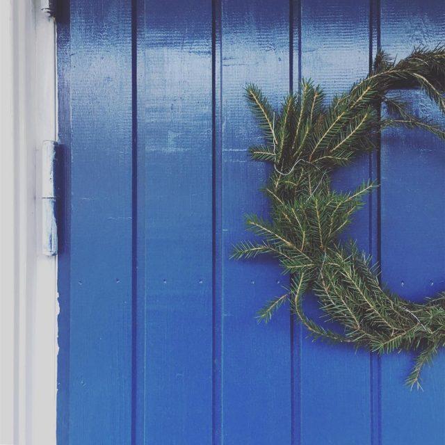 Kauden eka kiepautus havukranssi havut christmasdecorations