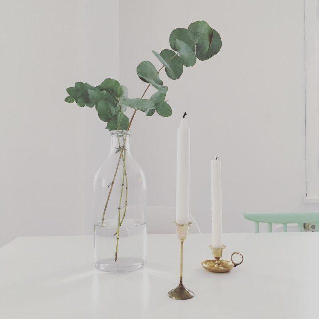 Ripaus messinki kynttilnjalka kirpputorilta candleholder fleamarketfinds eucalyptus christmasdecorations